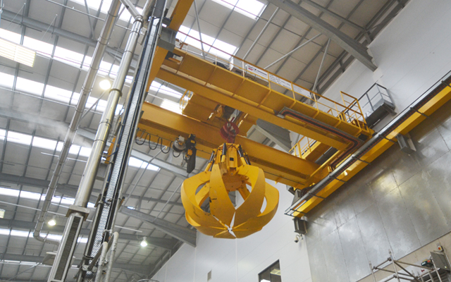4.7m diameter orange-peel grab on an energy from waste crane