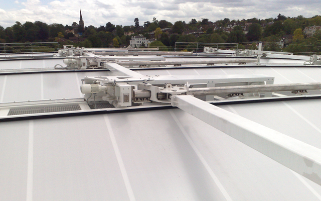 Restraint arm struts mounted on the top of each truss of the retractable roof at Wimbledon Centre Court